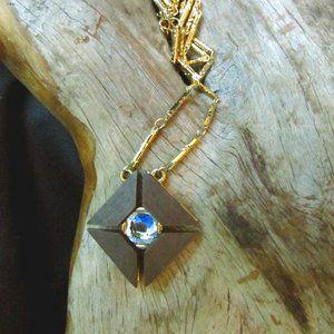 Vintage Jewel Mint Necklace Crystal Wood Gold Tone